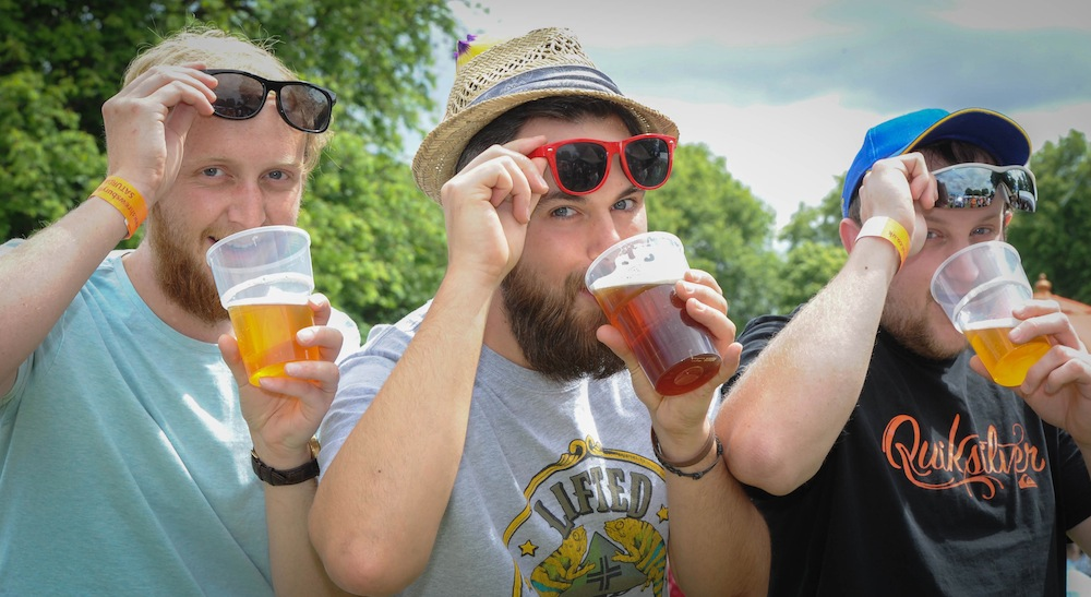 SHREWS NEWS WITH STORY AND VIDEO Thousands of people flocked to the Shrewsbury Food Festival in Quarry park on Saturday. Jason Postans, Geoff Fisher Grant Postans enjoying the sunshine and ale. PIC PETER SHAH